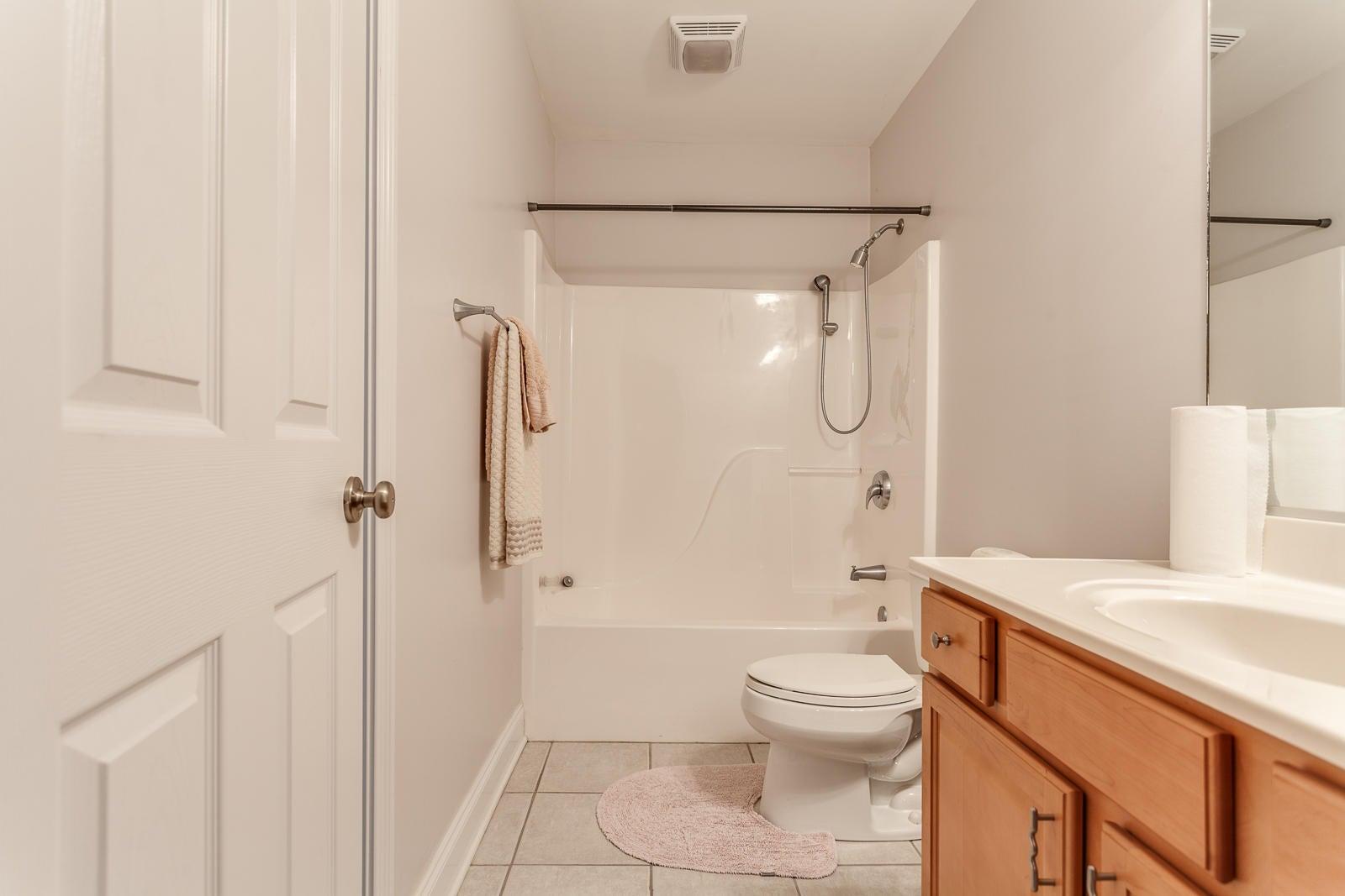 Bath Basement_861211
