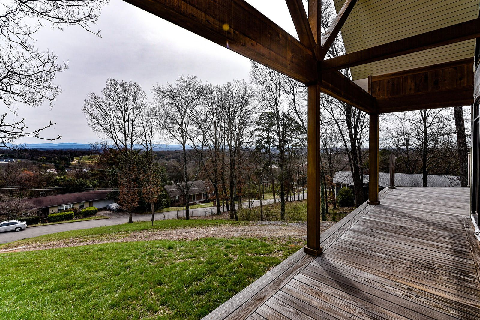 06 - House Front Deck-2