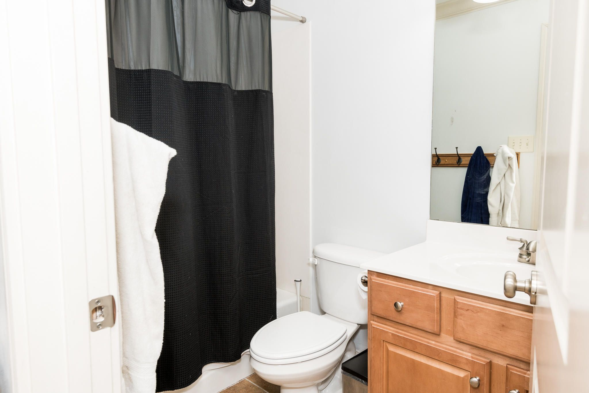 All bedrooms connected to a full bathroo