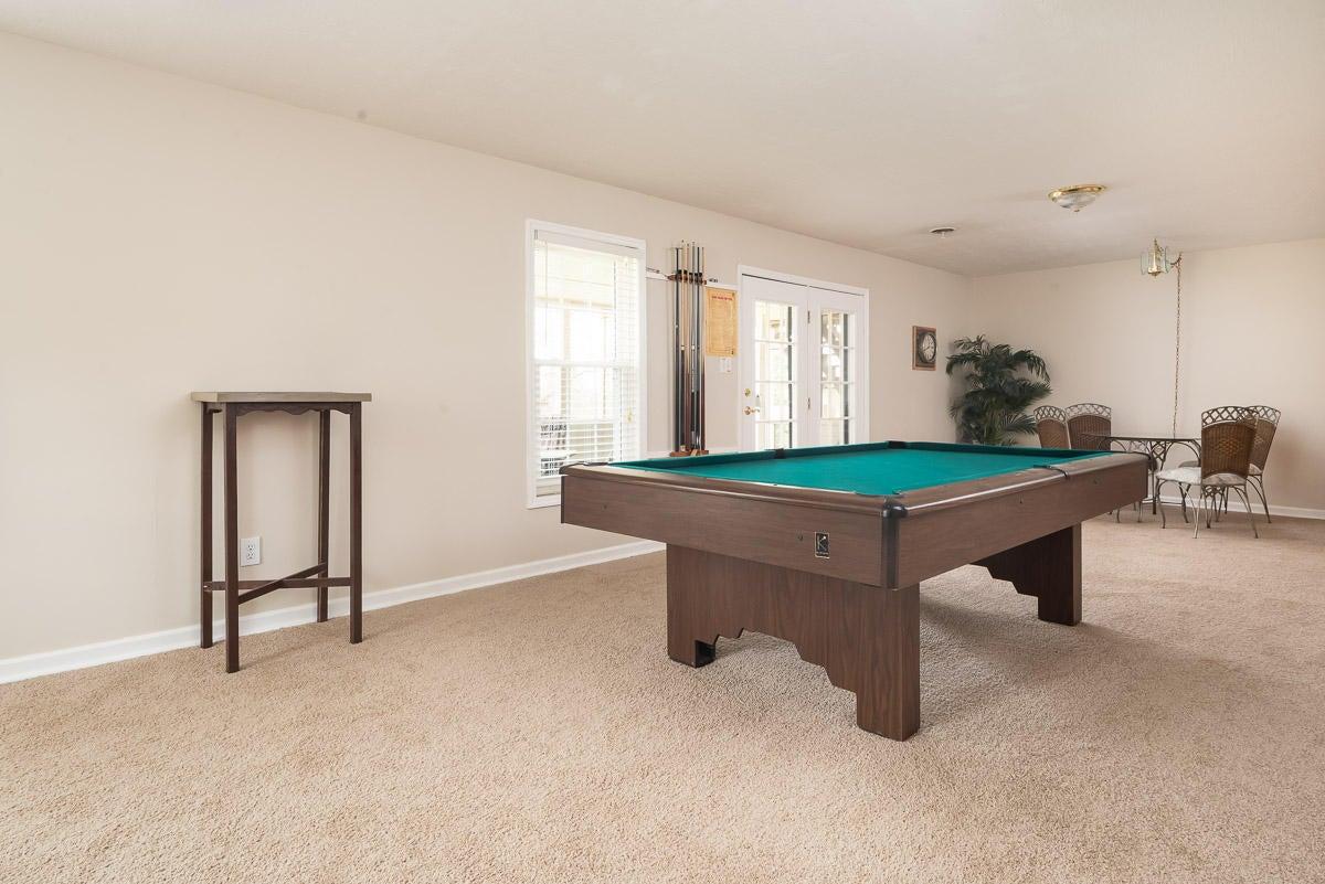 Large basement rec room/LR