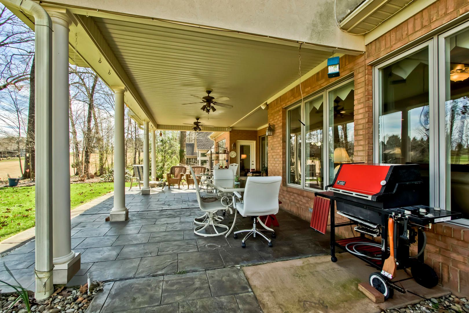35_222 Chickasaw Lane_CoveredPatio01