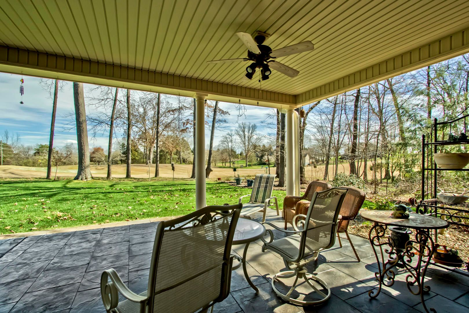 36_222 Chickasaw Lane_CoveredPatio02