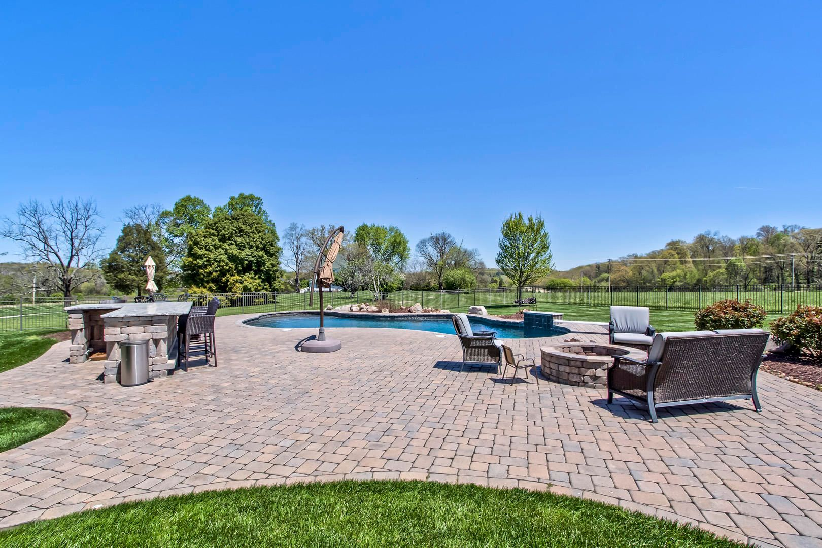 35_BridgemoreBlvd_12520_Patio-Pool01