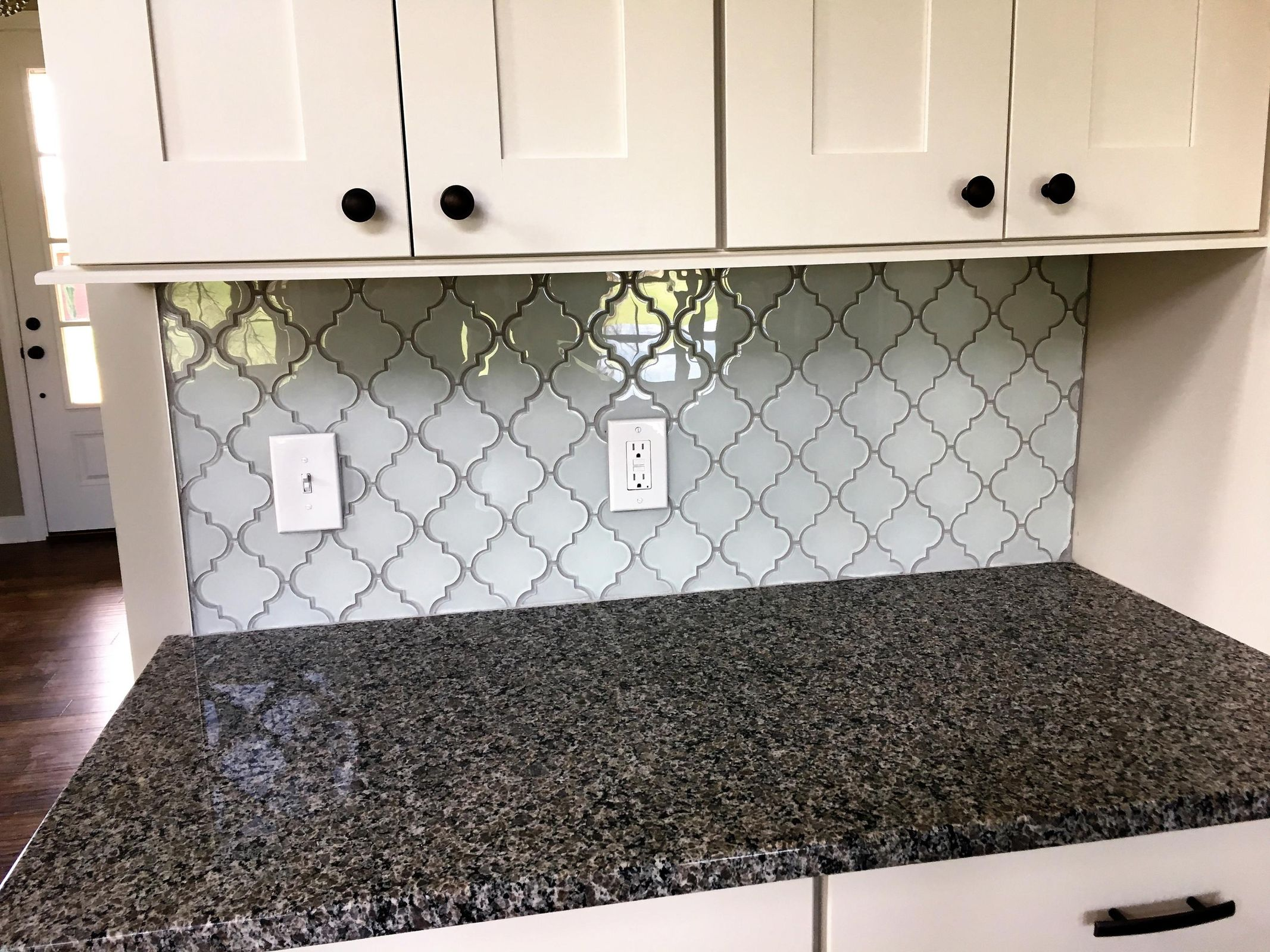 Glass tile back splash