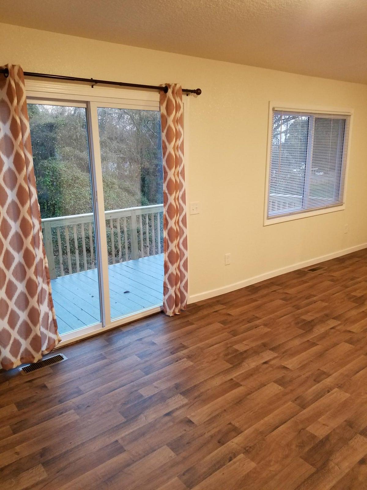 Living/Dining Room 104
