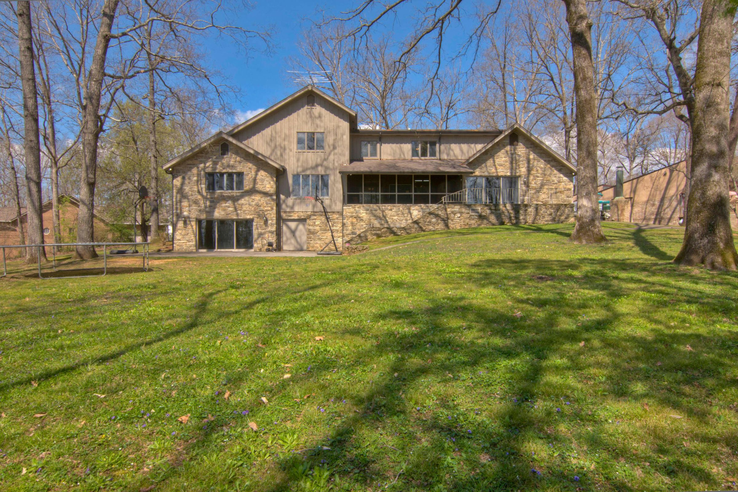 3953 Riverview Dr Maryville TN-013-22-39