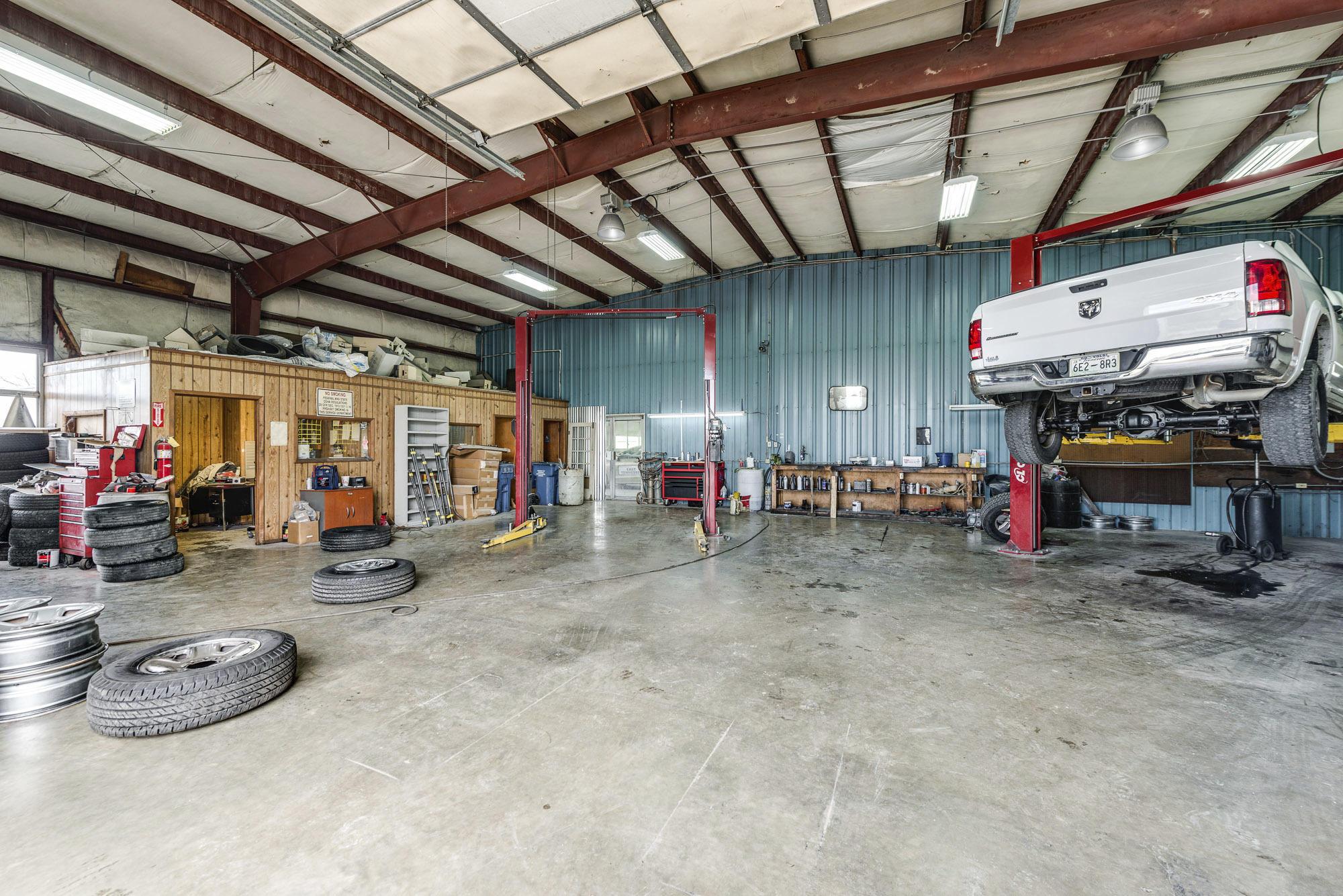 Back garage 1-1