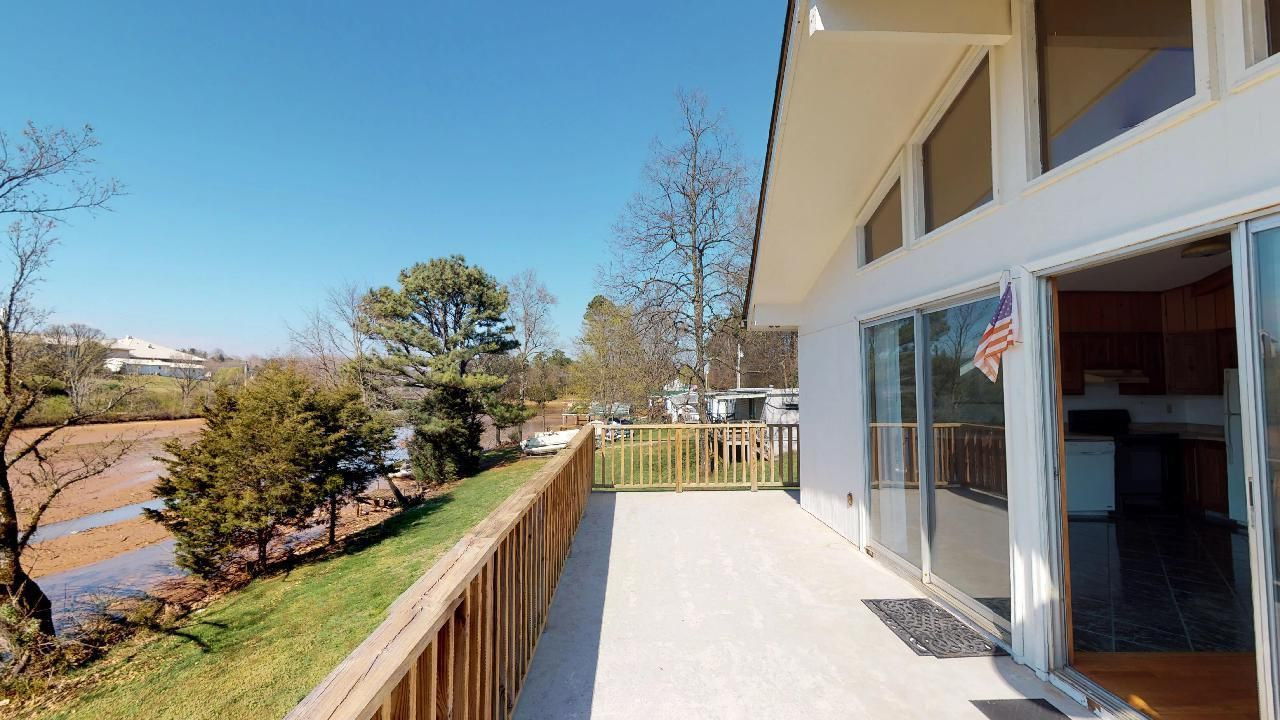 1530-E-Pearly-Smith-Rd-Back-deck