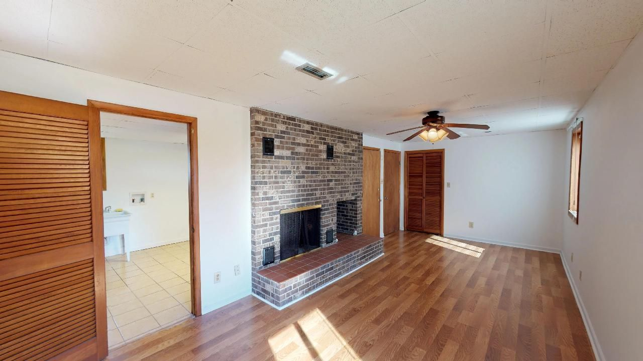 1530-E-Pearly-Smith-Rd-Downstairs-Family