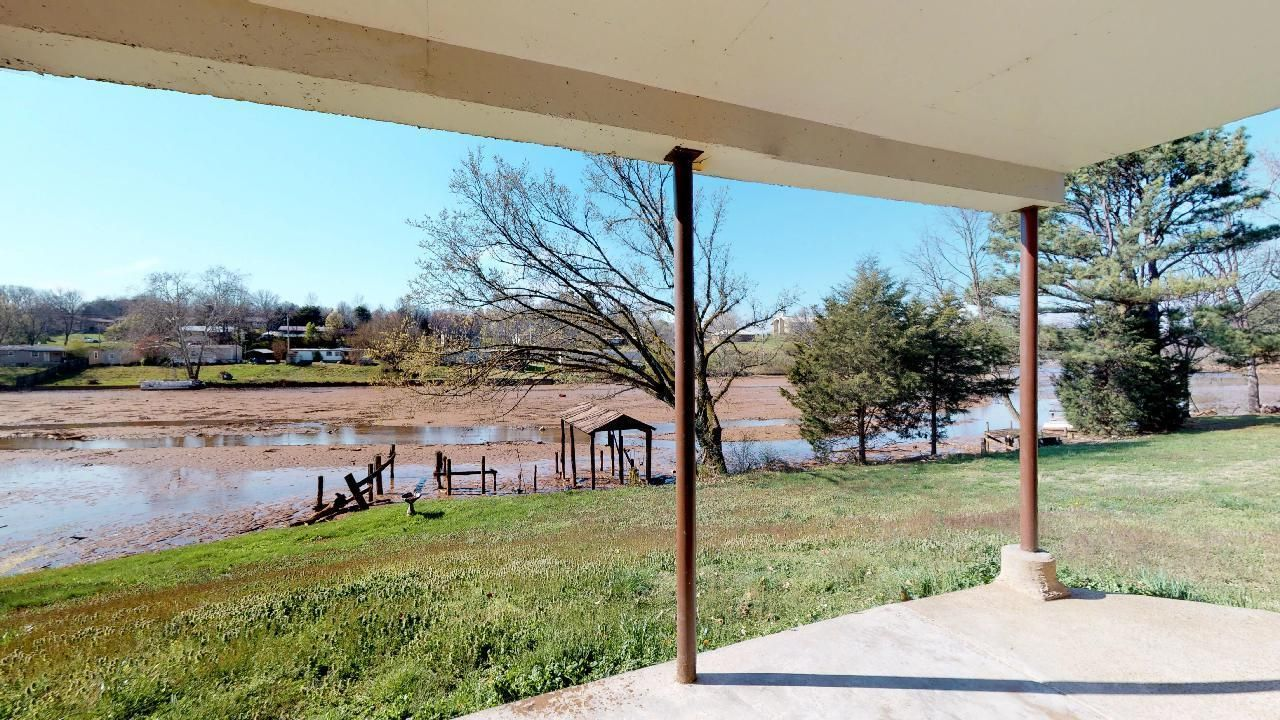 1530-E-Pearly-Smith-Rd-Downstairs-View-2