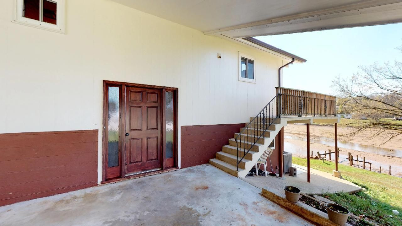 1530-E-Pearly-Smith-Rd-Front-door-with-s