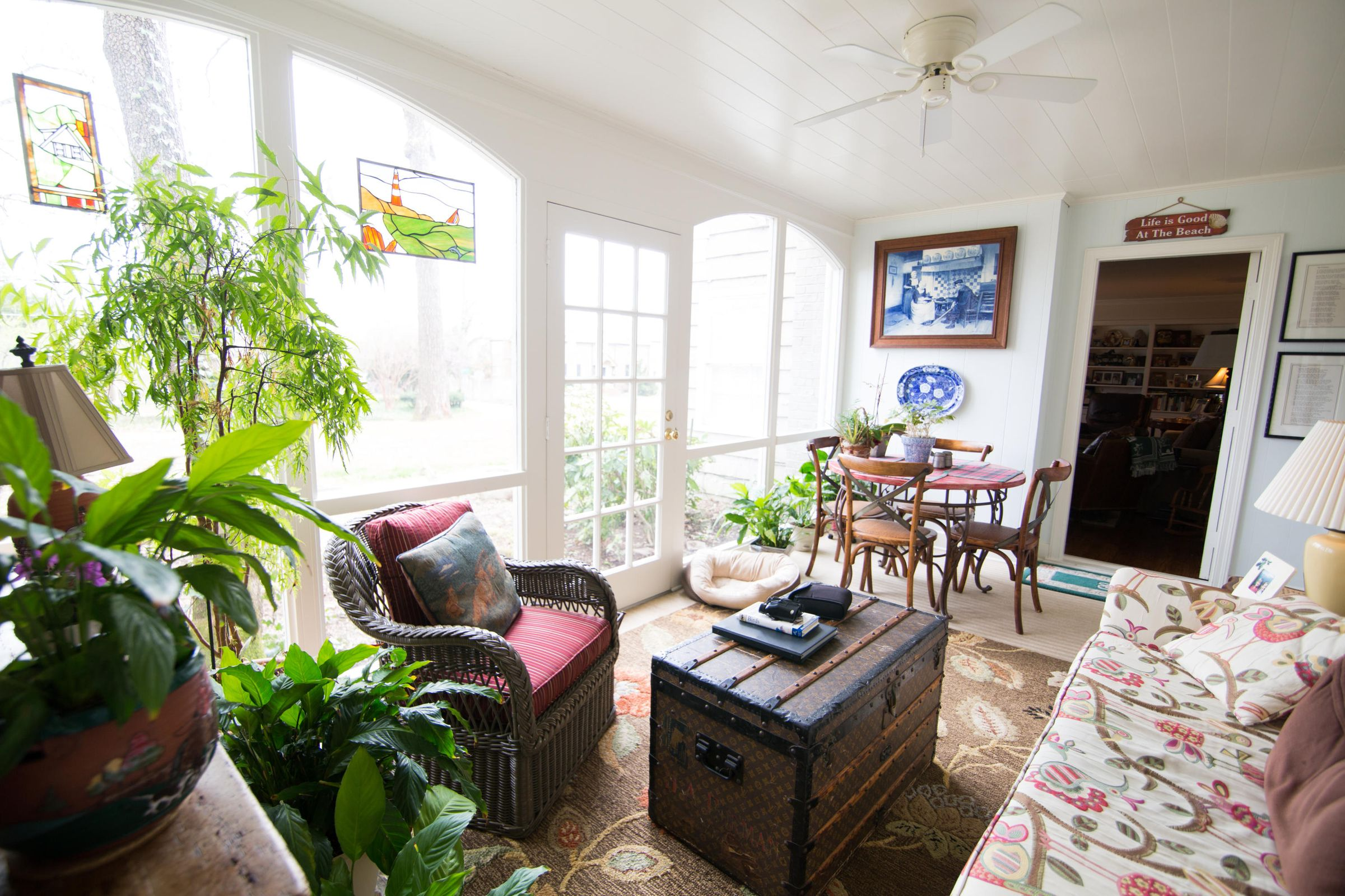 Sunroom toward LR