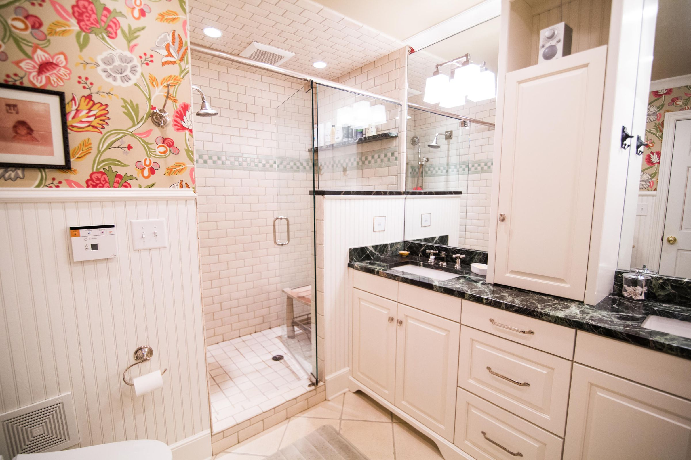 MBA w/walk-in shower