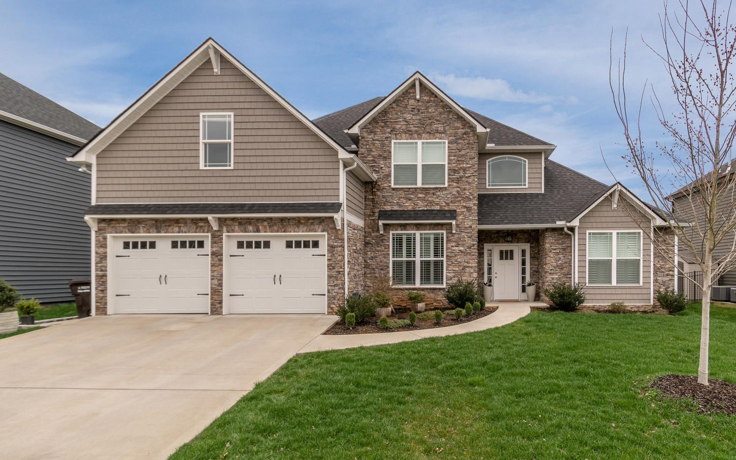 12220 Harpers Ferry Ln-large-002-29-Fron