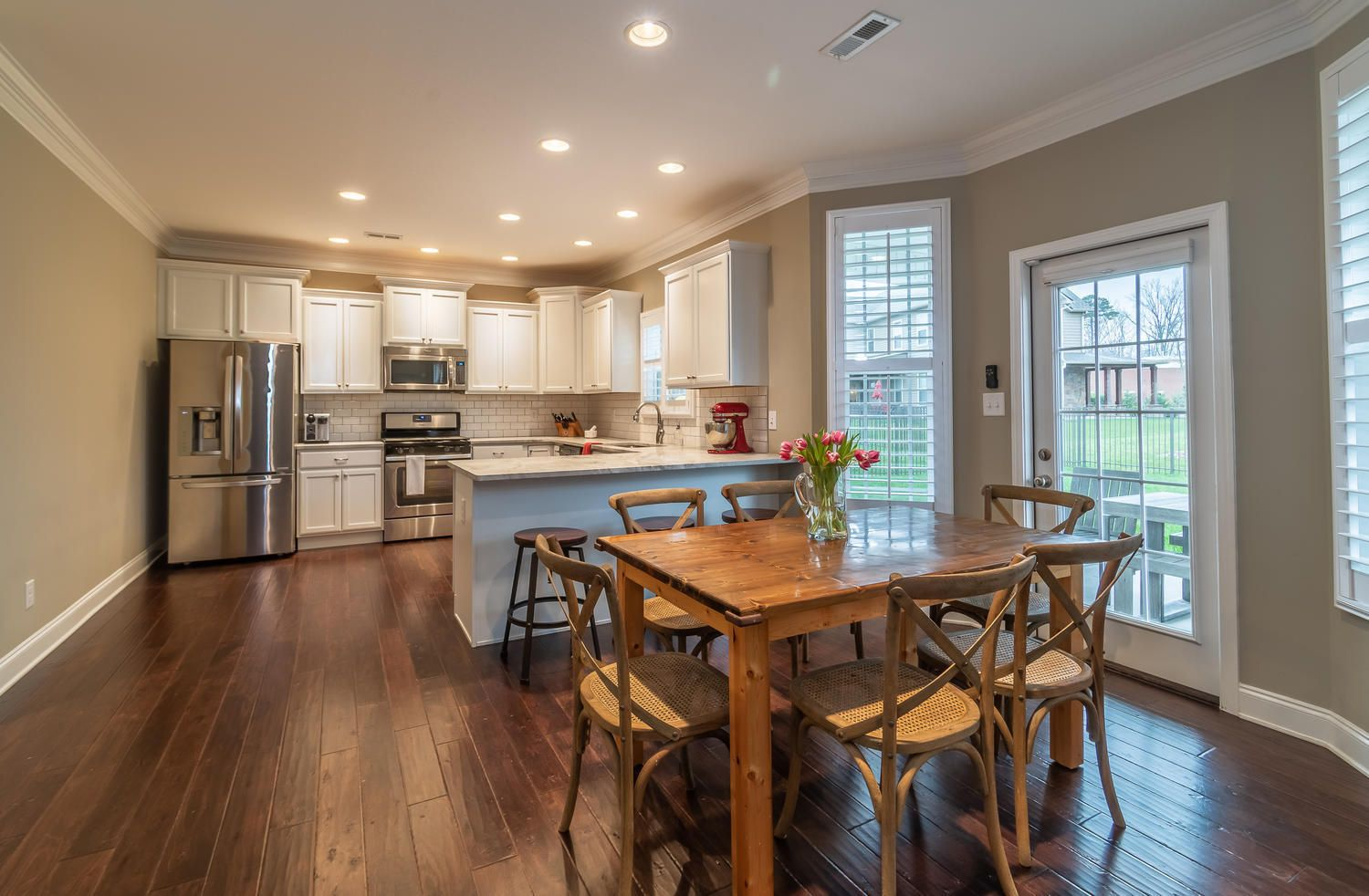 12220 Harpers Ferry Ln-large-011-19-Kitc