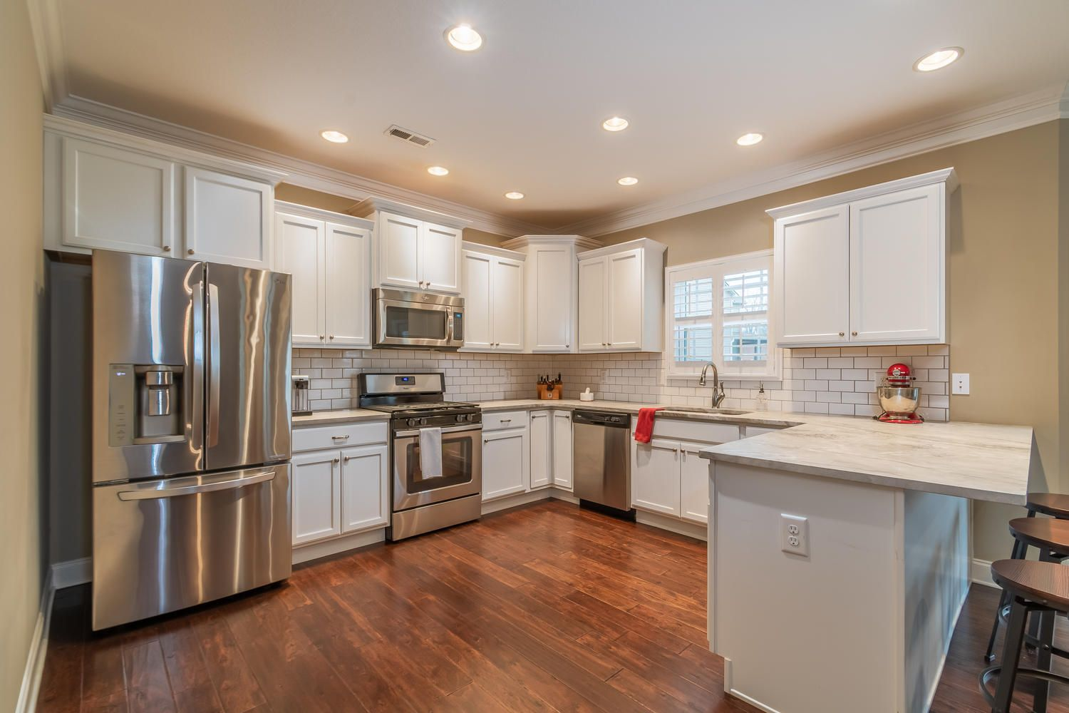 12220 Harpers Ferry Ln-large-012-10-Kitc