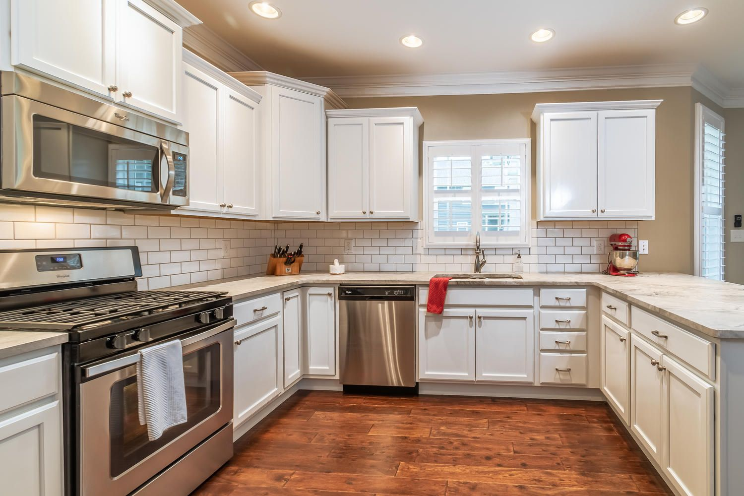 12220 Harpers Ferry Ln-large-013-8-Kitch
