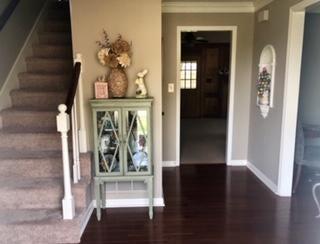 Foyer= Hardwood Floors
