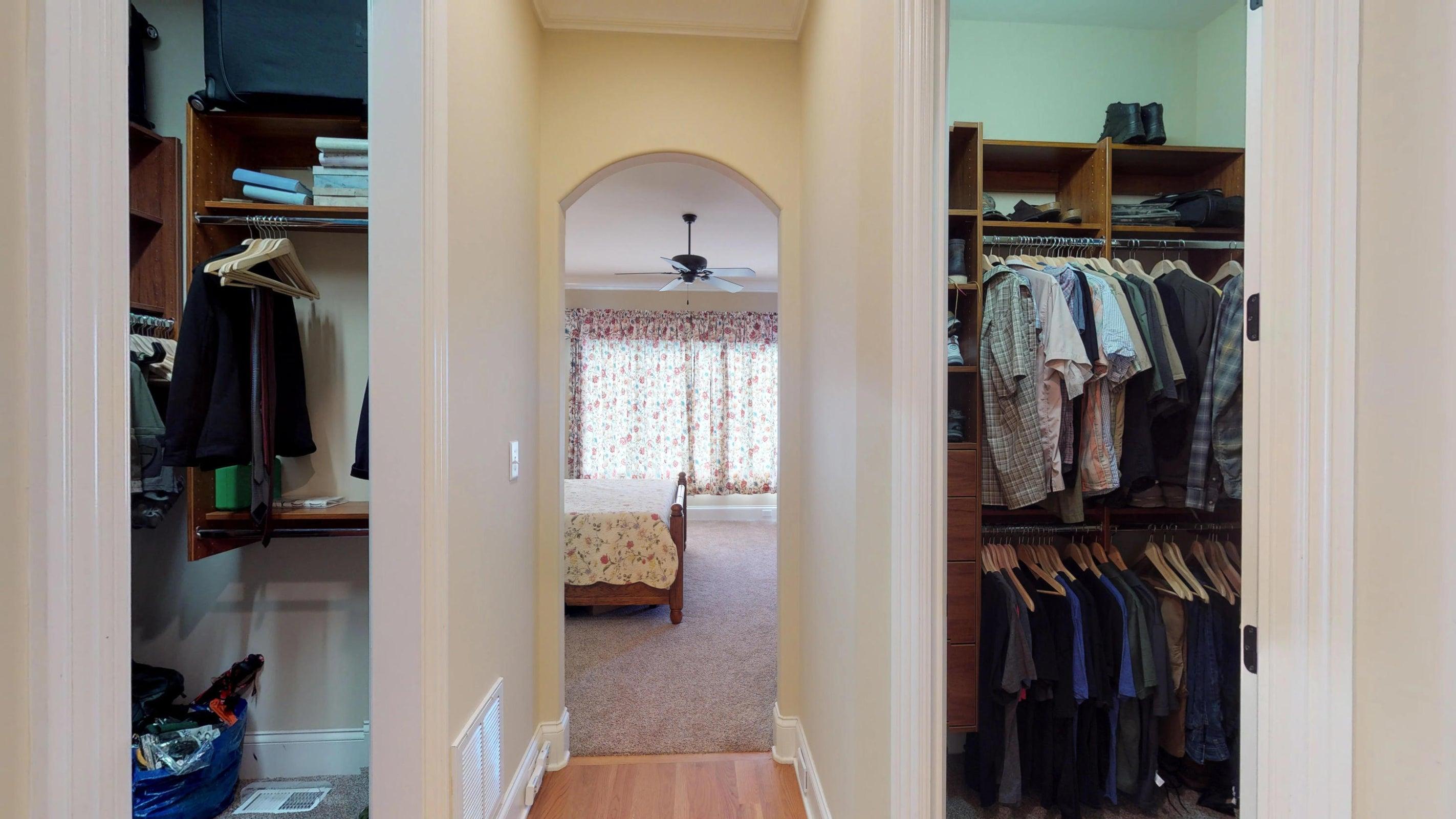 Master-Closets