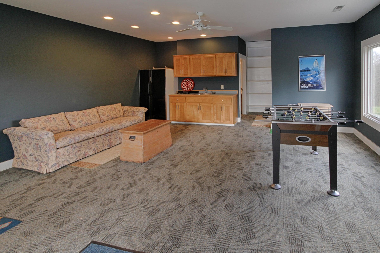 pool house rec area