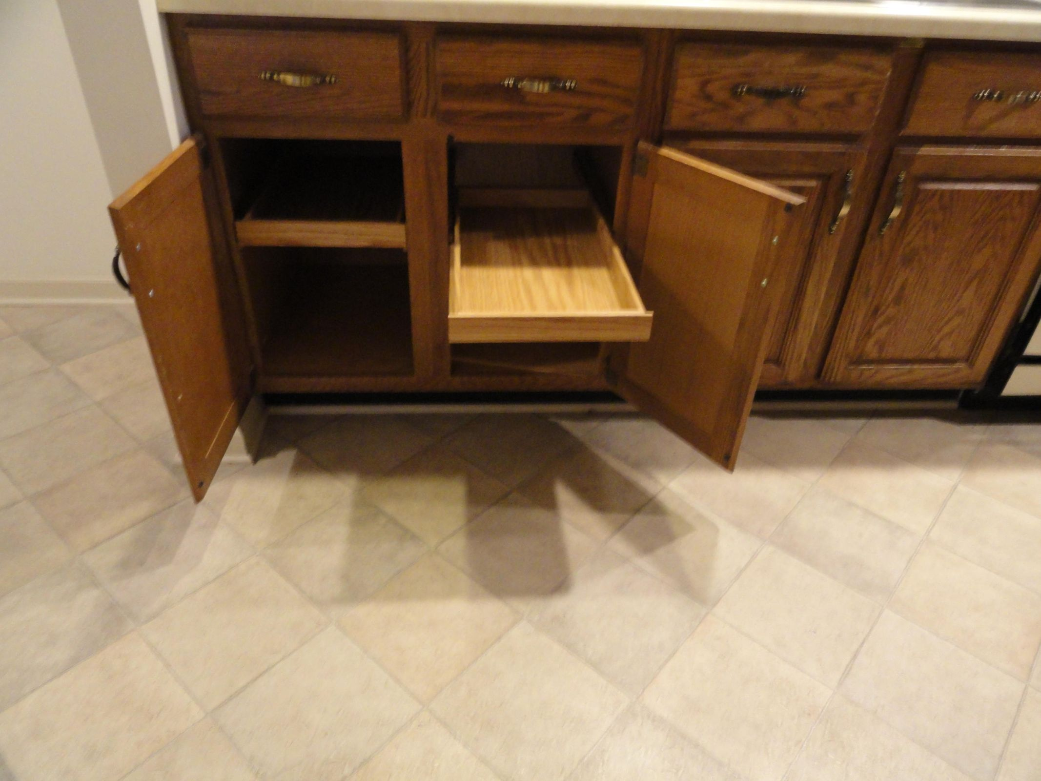 Cabinet Drawer Pull Outs