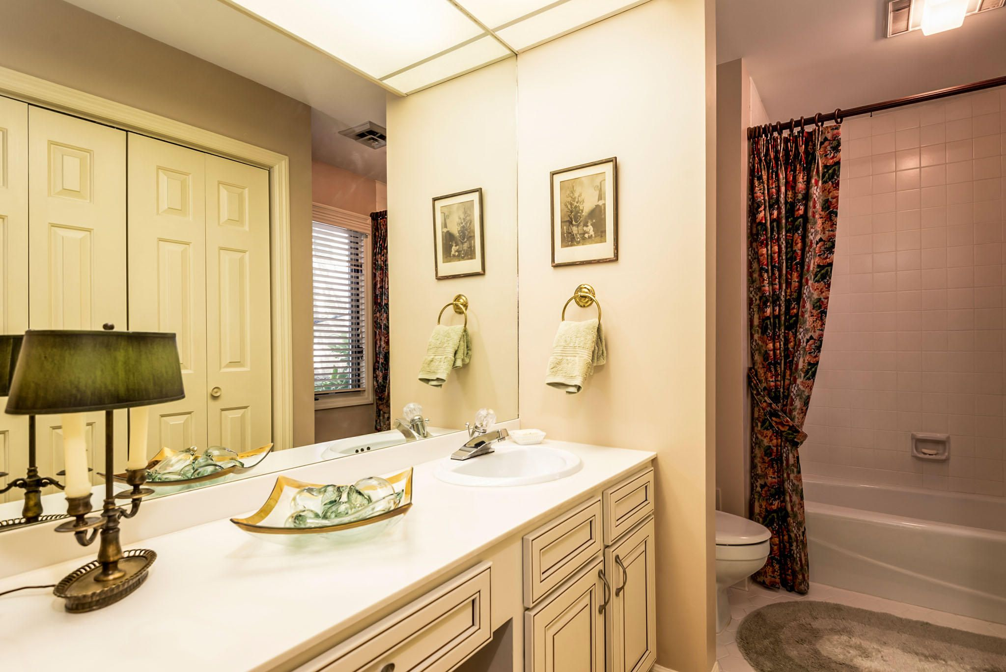 Office/Bedroom Bath