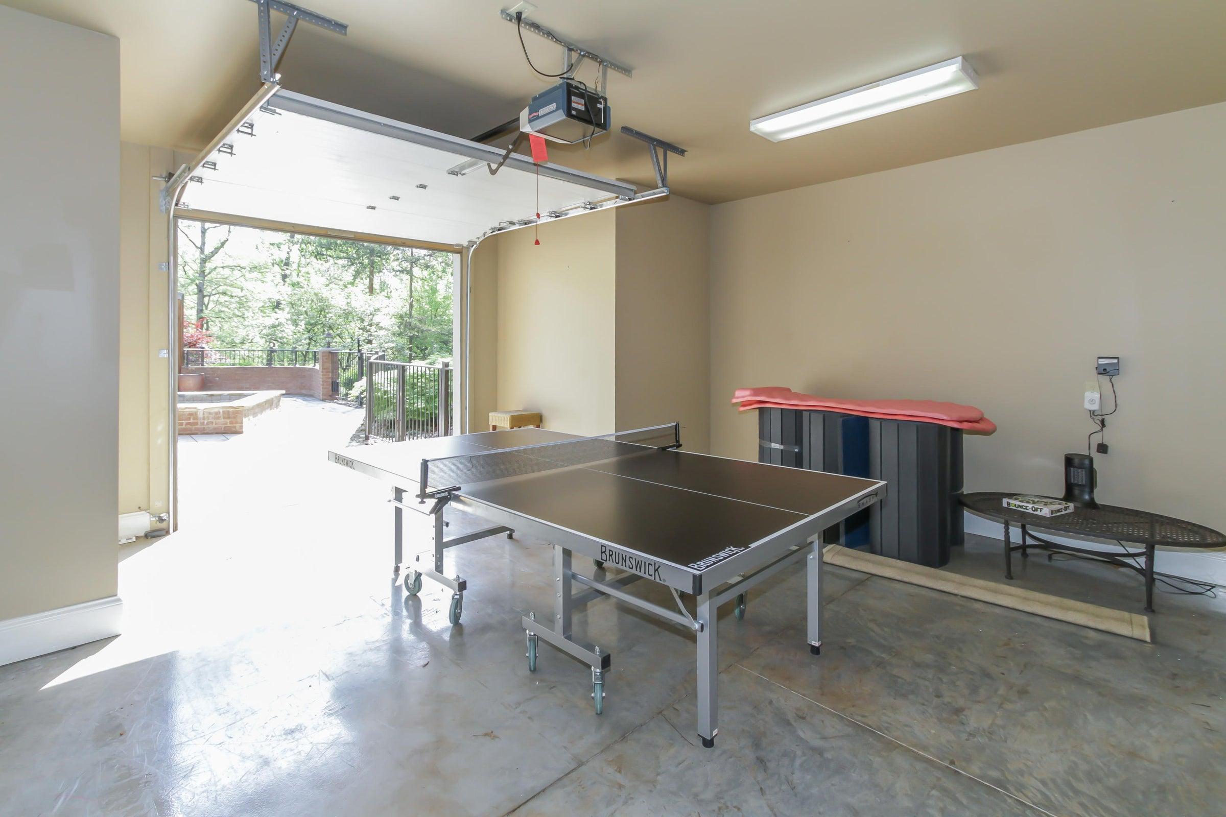 LL garage space
