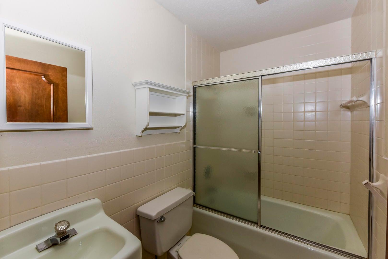 Sep Apartment Bathroom
