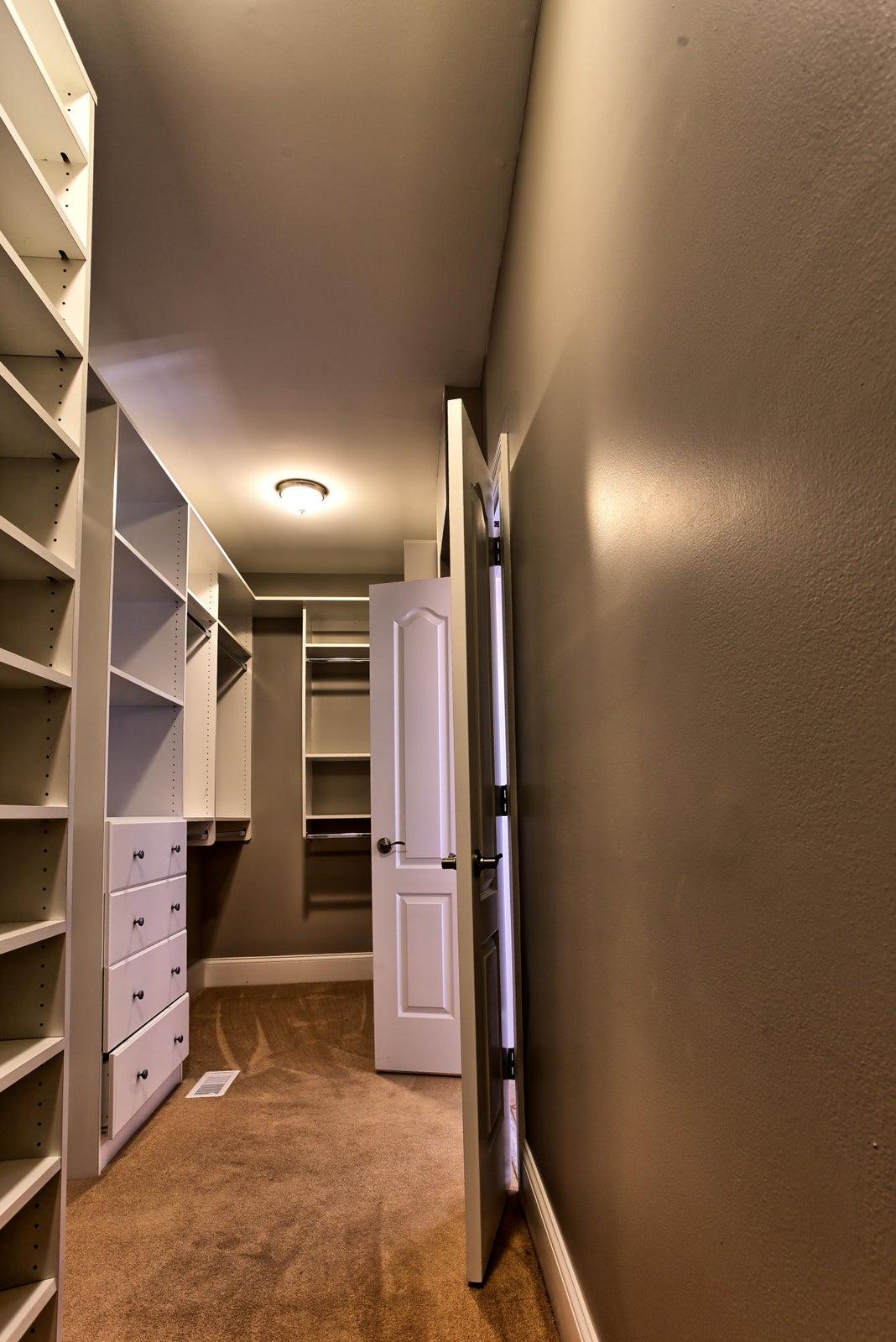 Walk in closet owner's suite