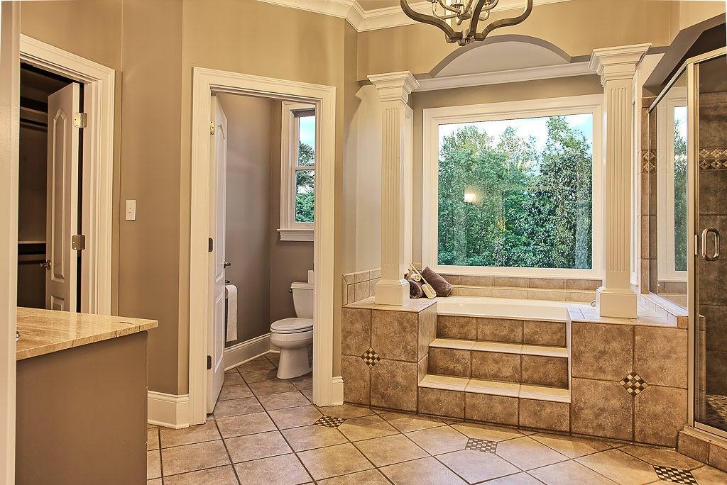 Owner's en suite with steam shower