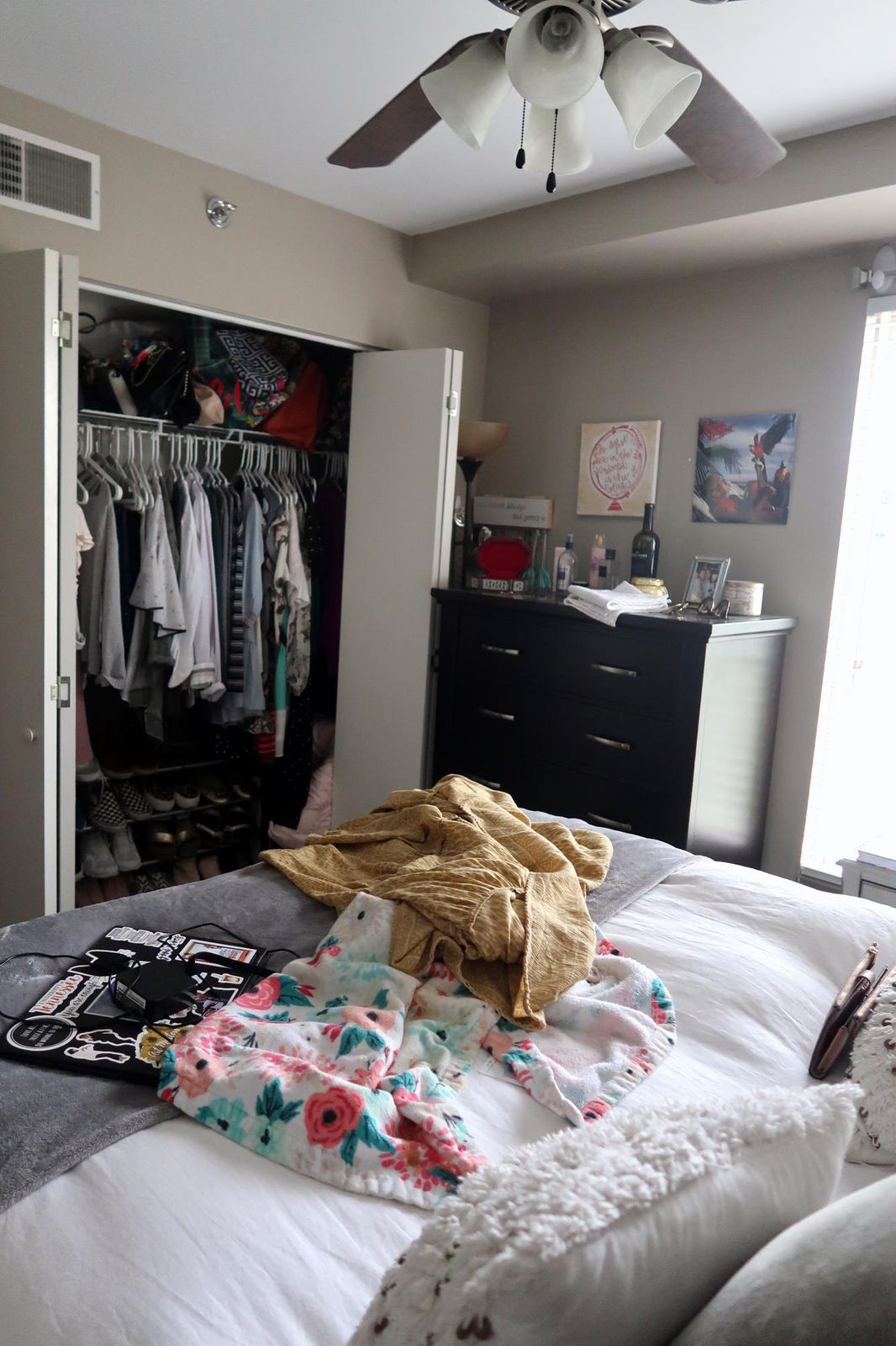 Front Rt BD-Large Closet