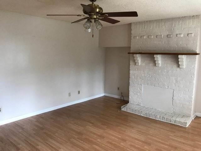 1619 Washington ave apt 4 living room 2