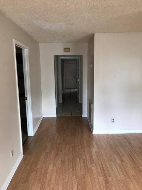 1619 washington ave apt 2 hallway