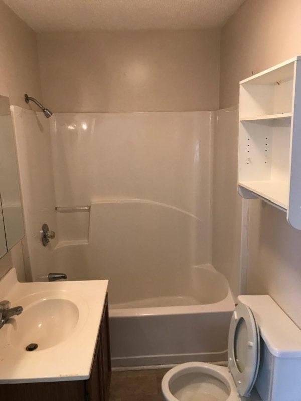 1619 washington bathroom
