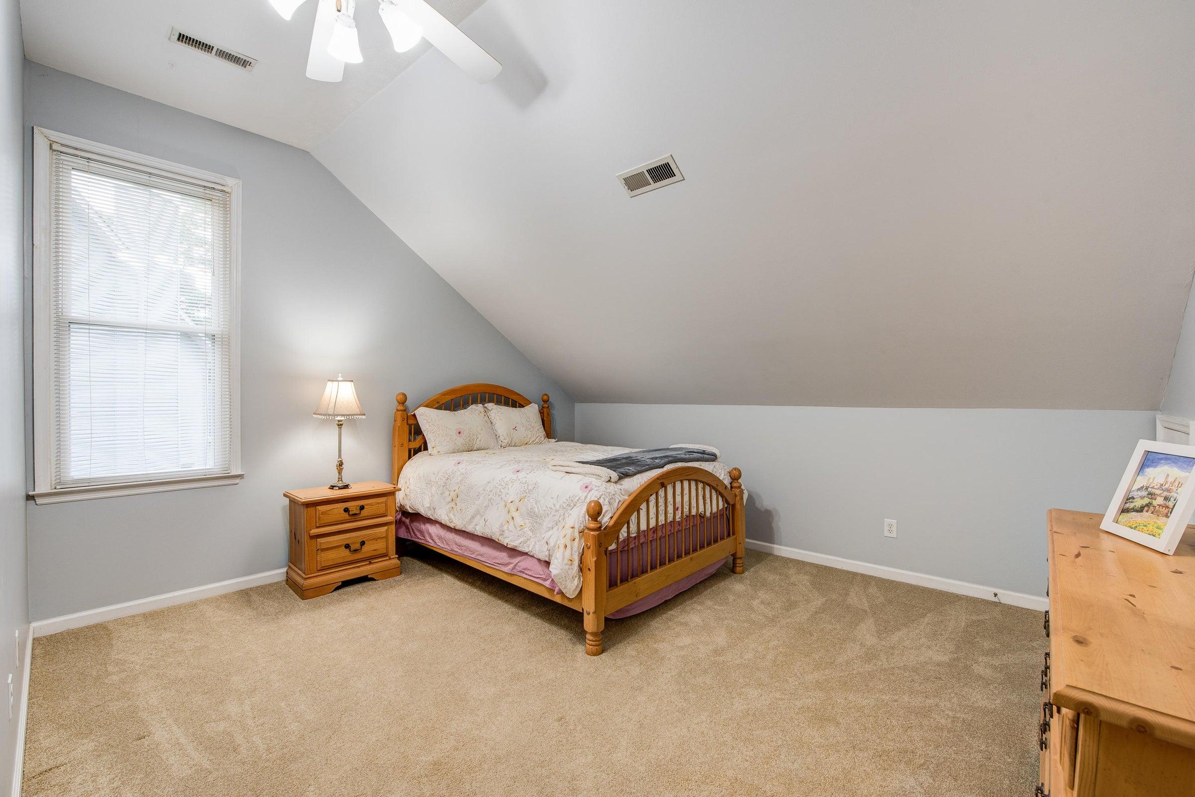 2nd floor - rear east bedroom 2