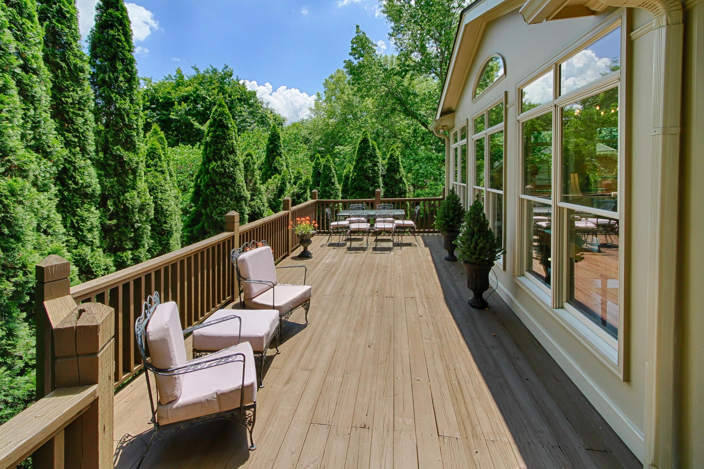 entertaining deck