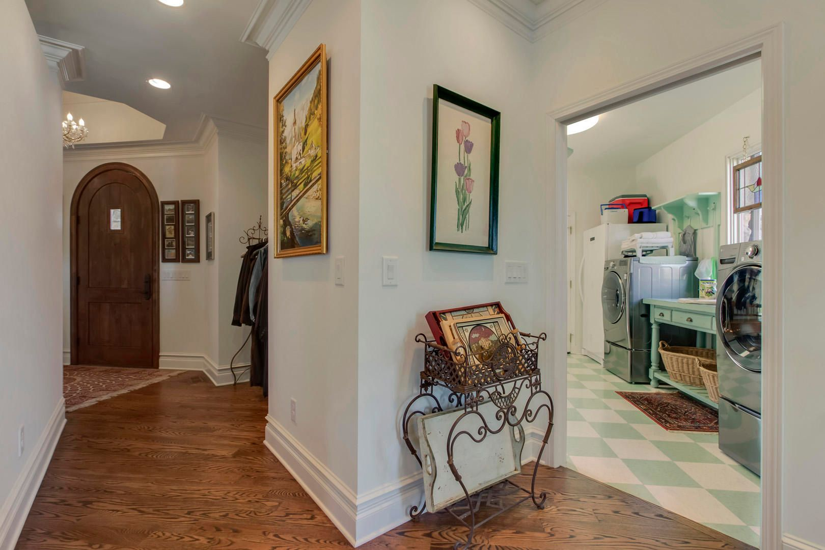 Foyer to Pantry