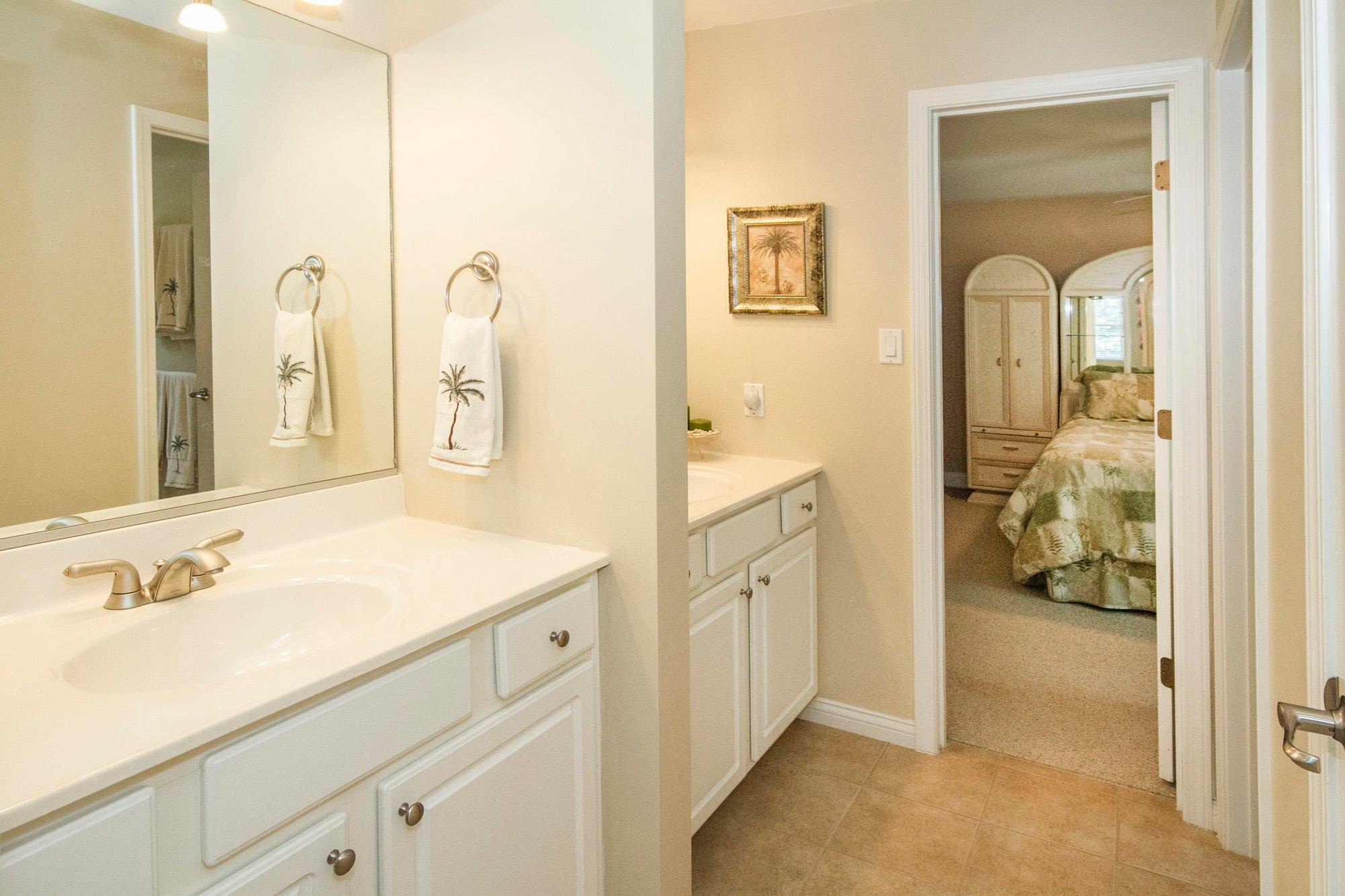 Full Bath Between Bedroom 4 and 5