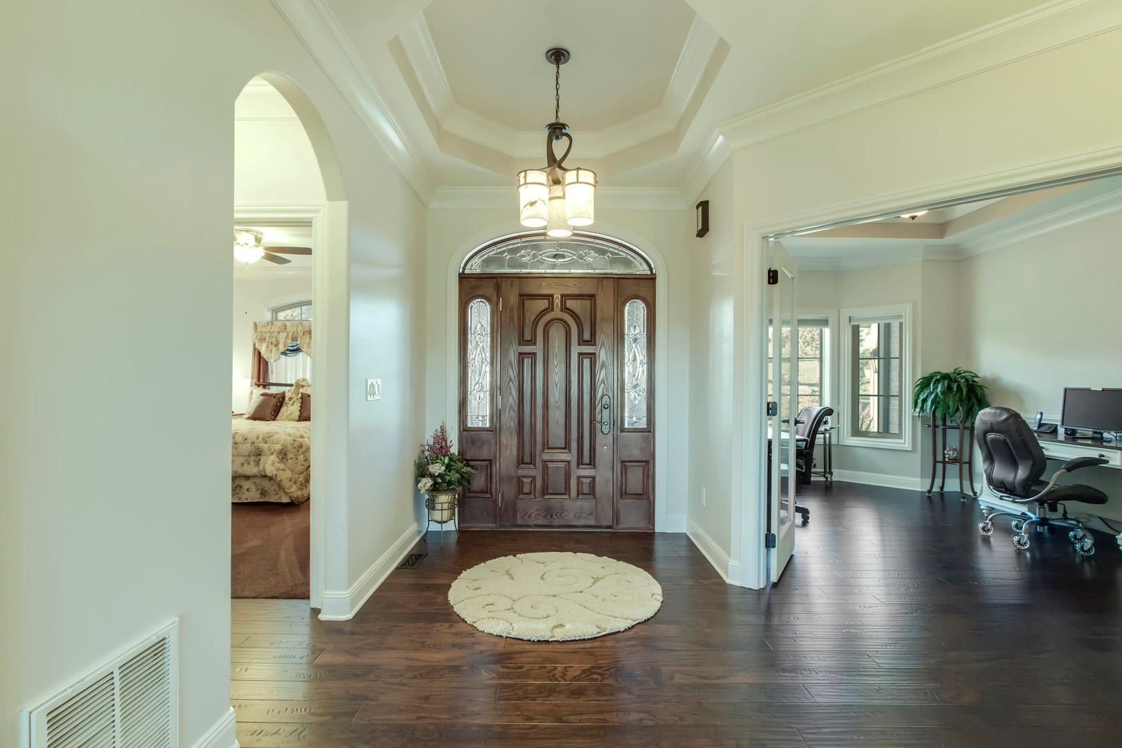 23_LaceWingDrive_110_Entry