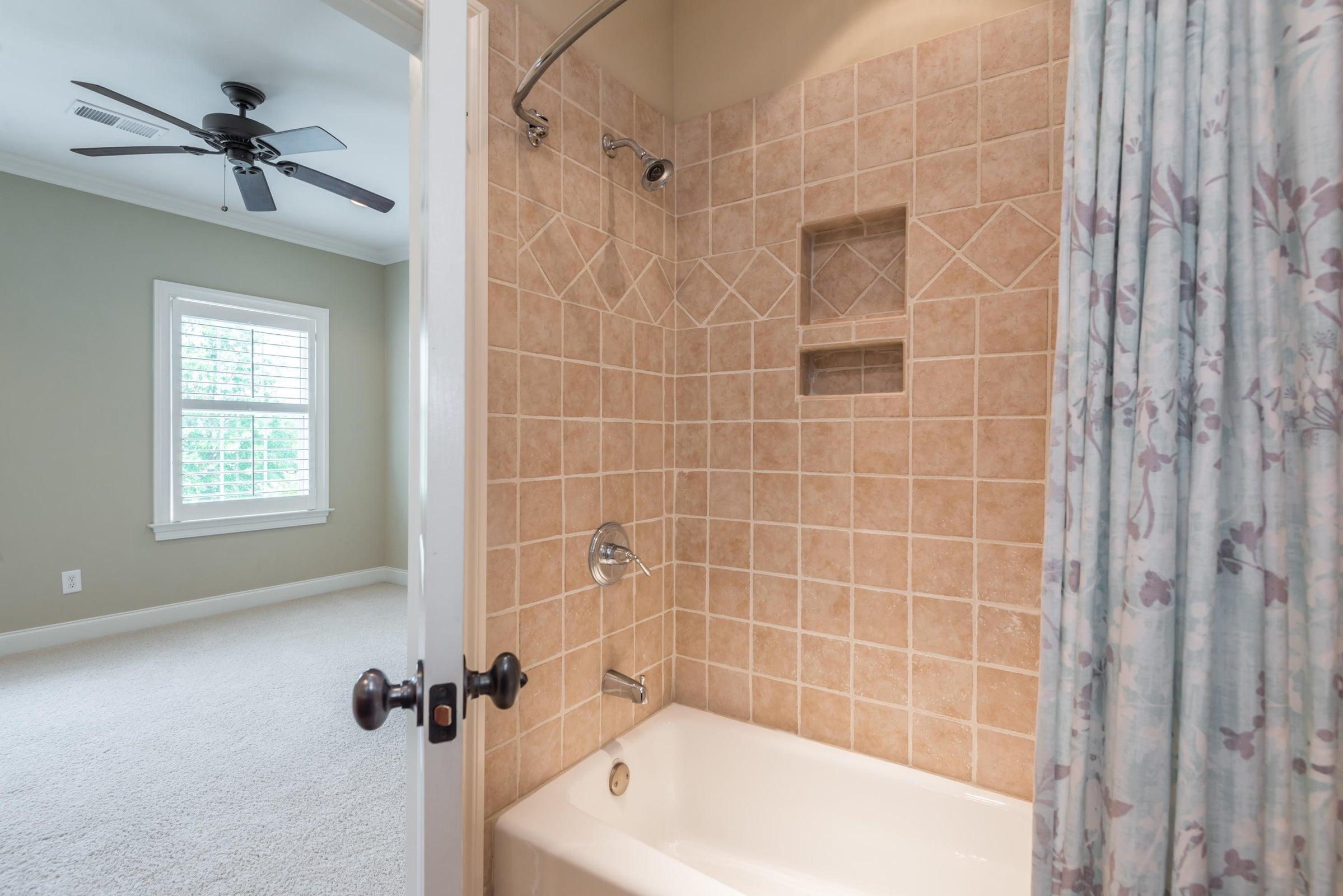Full Bath in Bedroom #2