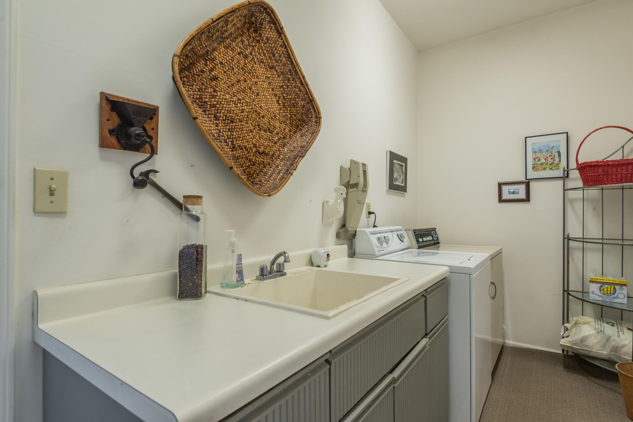 4858ScenicPointDr-35