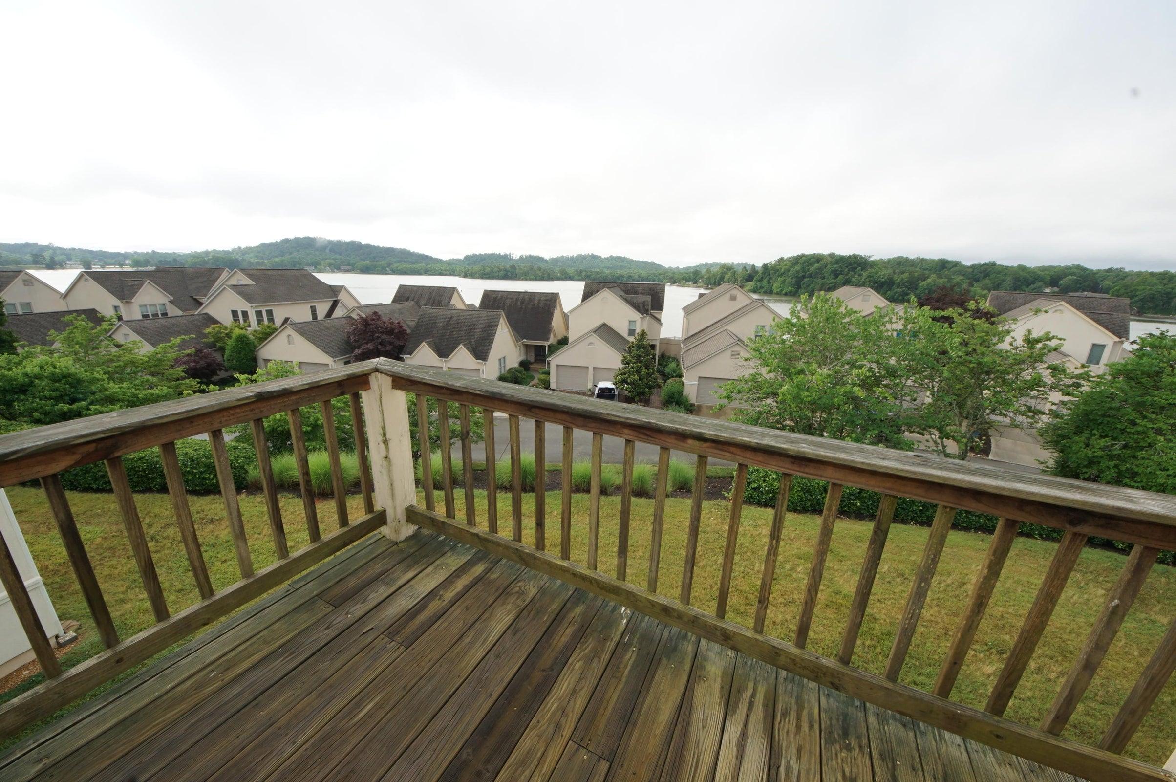 Master Deck Lake View
