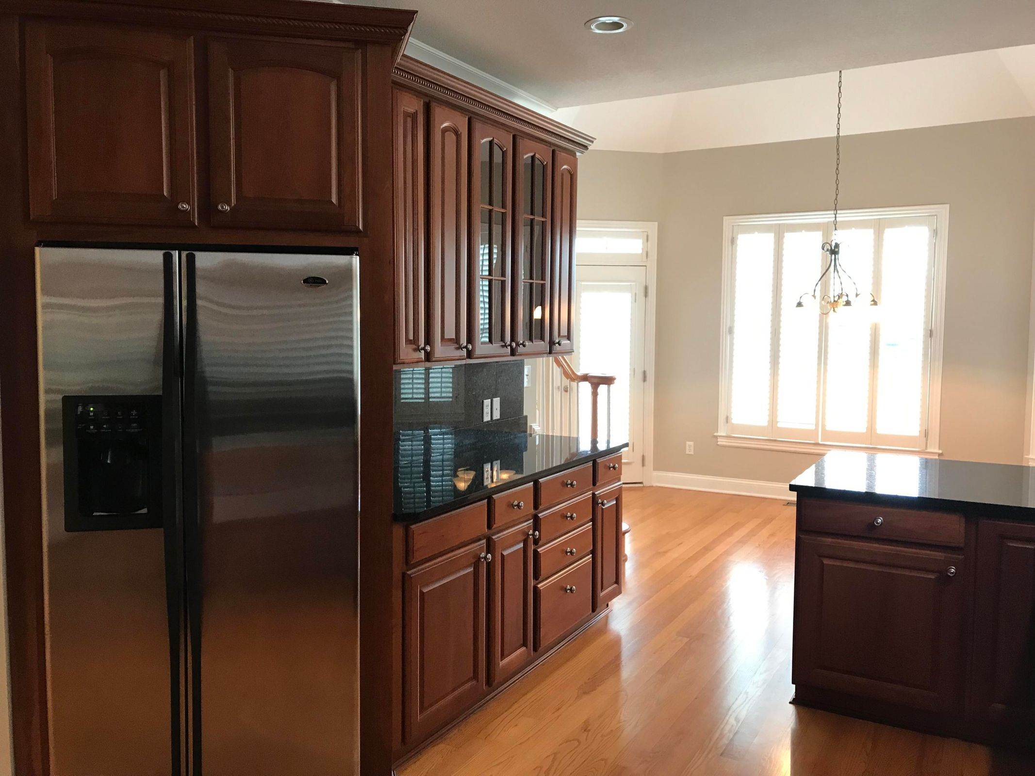 Main kitchen-stainless appliances