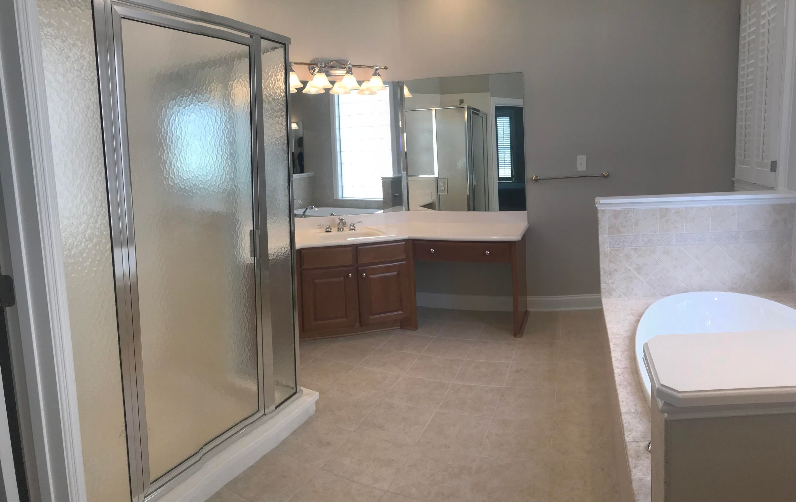 Master bath-walk-in shower