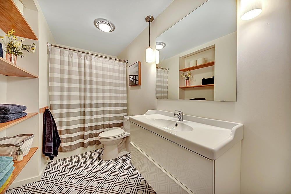 2nd Full Bath-Main Level