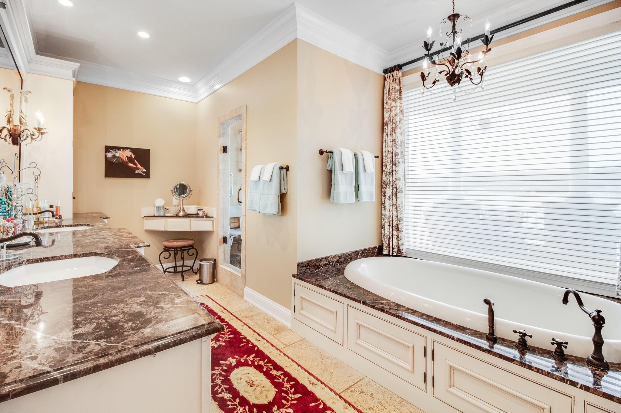 Master Bathroom - Main Level