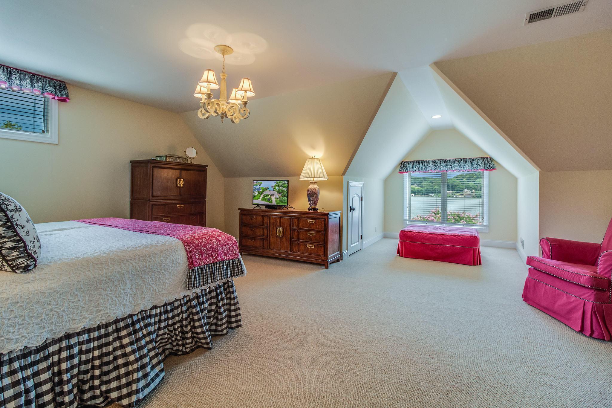 Bonus or Bed room - 2nd Level