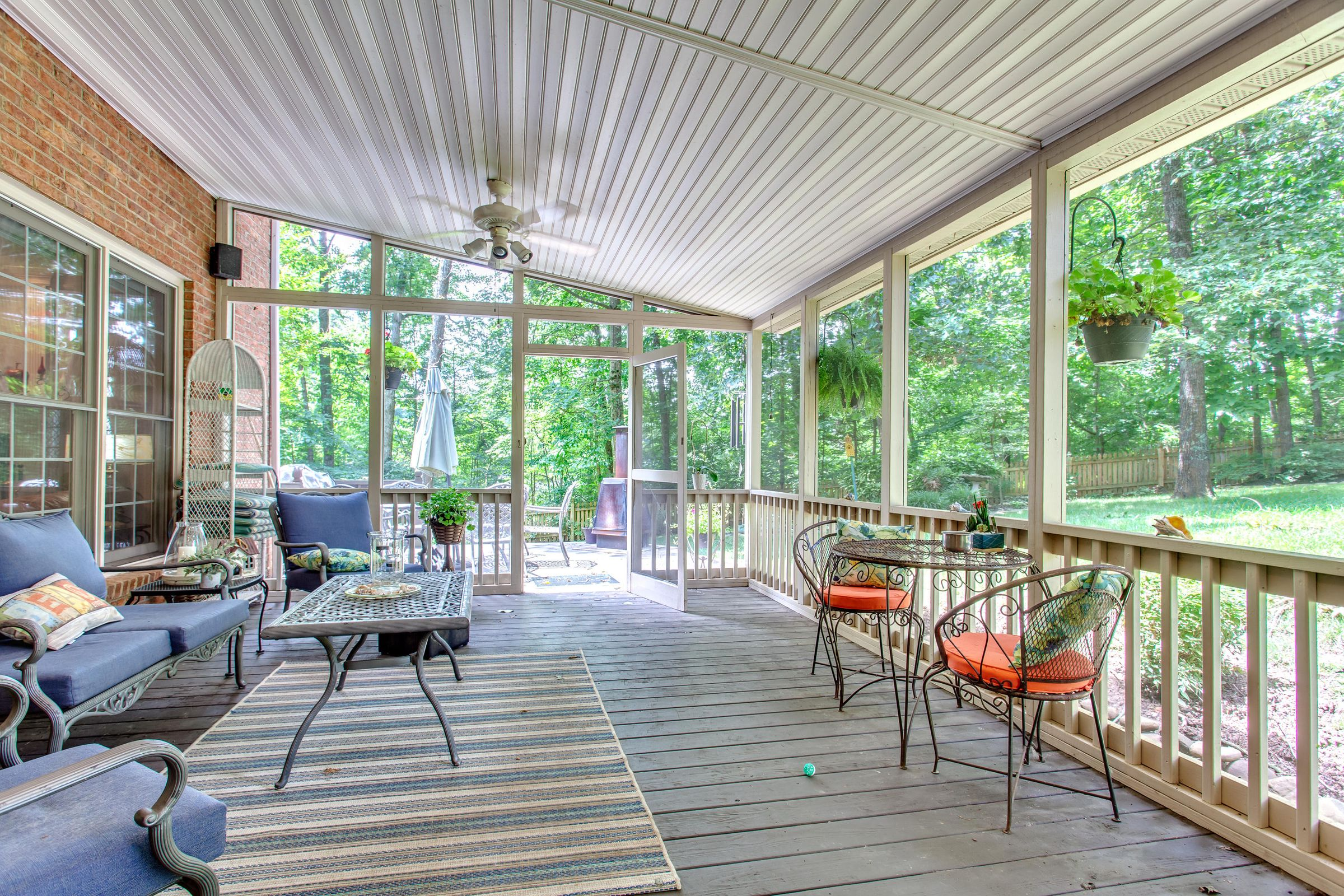 Awesome Screened Porch