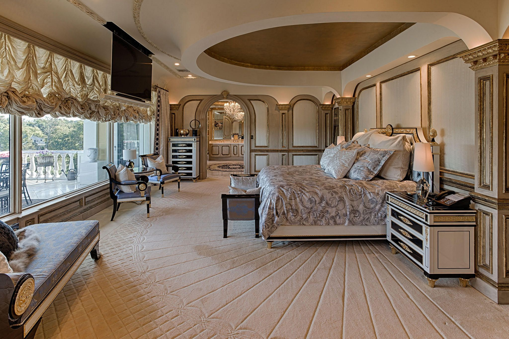 Master Suite w/ Mountain Views