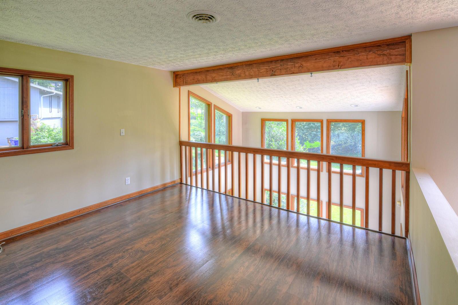 Upstairs Loft Area